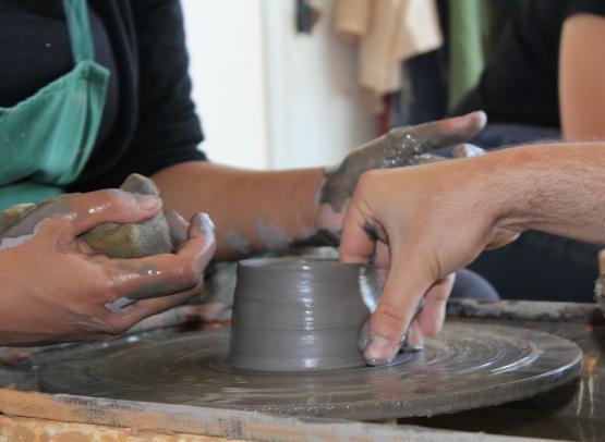 initiation-tournage-maison-du-potier-le-fuilet (3)