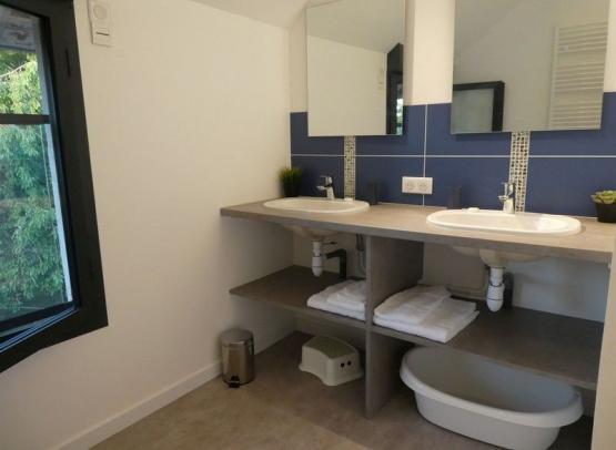 Gîte Cèdre et Charme - Salle de bain chambres Bleue et Leetchi
