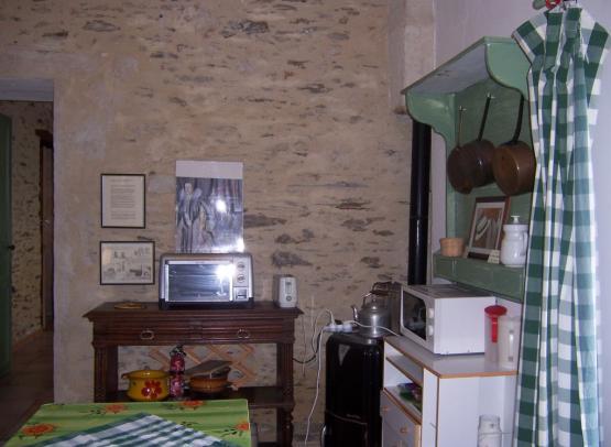 chateaurousset-gitedugrandbeaumont-lesgarennessurloire-49-1