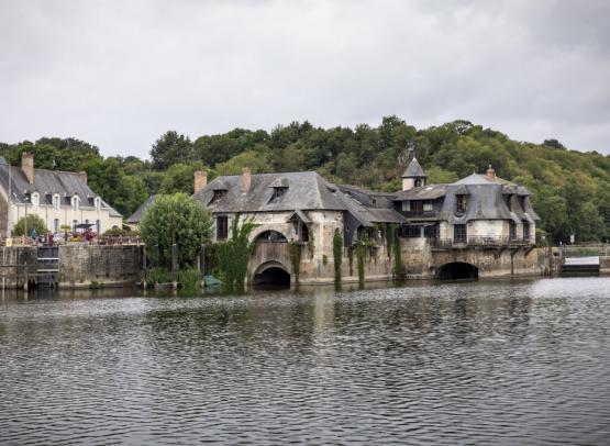 Navigation de Chemillé à la Suze sur Sarthe. Avec les Canalous.