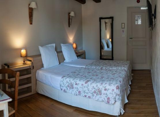 hotelrelaisdelamothe-chambre-yzeuresurcreuse-valdeloire
