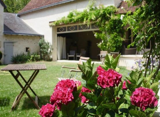 hotelrelaisdelamothe-jardin-yzeuresurcreuse-valdeloire