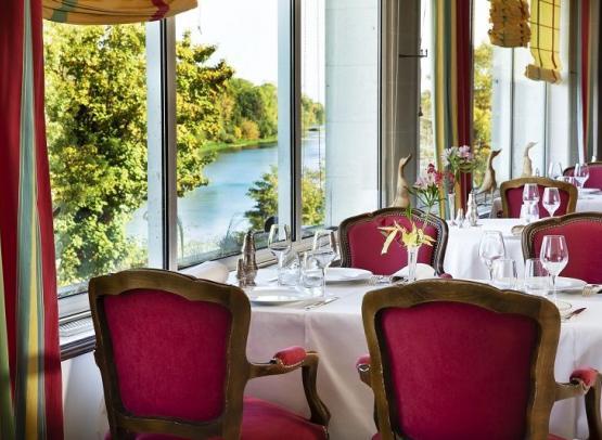 HOTEL LE CHOISEUL & RESTAURANT LE 36