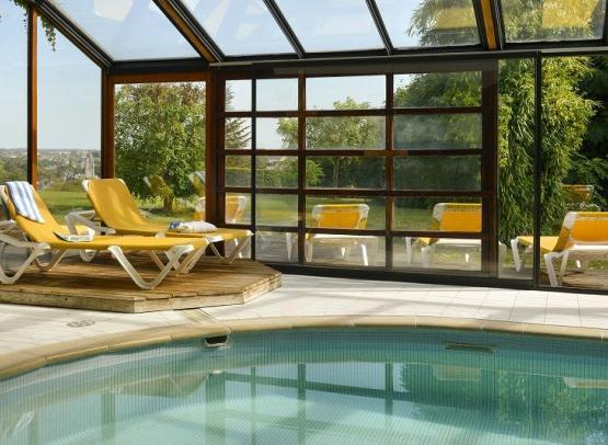 Piscine-hotel luccotel-loches-valdeloire