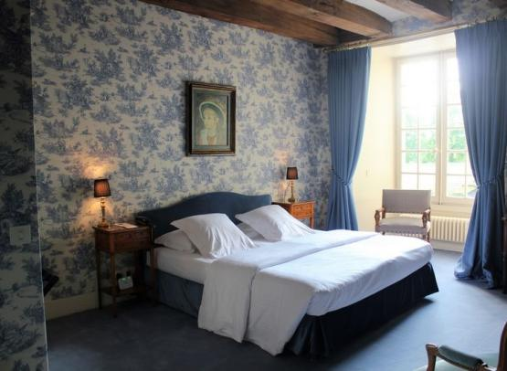MARCAY-HOTEL-CHATEAU-DE-MARCAY (1)