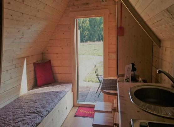 cabane-troll-interieur-la-chapelle-blanche-valdeloire-2