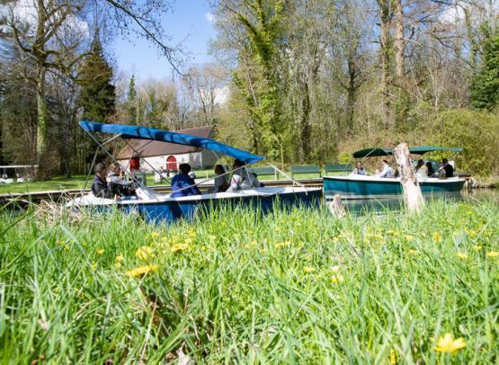 Balade-en-bateau-au-Chateau-de-Cheverny-Mir-Photo-ADT41--4-