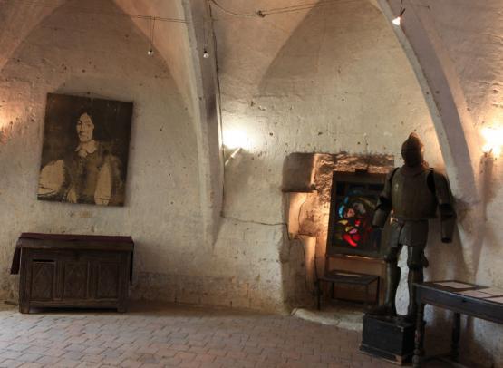 chateau-de-cinq-mars-salle