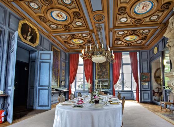 salle-a-manger-La-Bussiere---Chateau-de-la-Bussiere