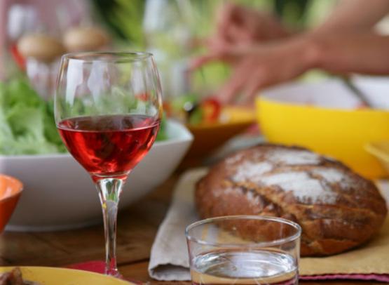 (78)table-repas-ete©CDT41-phovoir-image