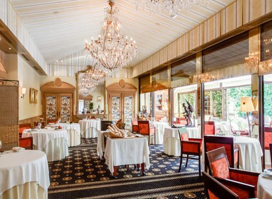 Restaurant-Charles-Barrier-1
