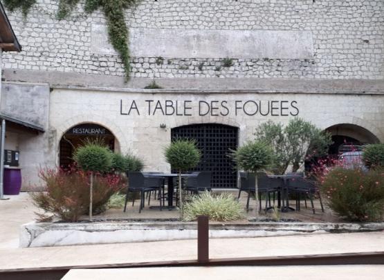RESTAURANT TROGLODYTE LA TABLE DES FOUEES