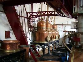 15-_distillerie_combier_-vah.jpg